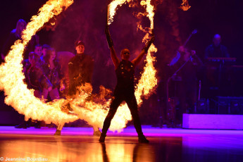 Art on Ice 2014 special-effects-ideas-fire-dancers-dan-and-steffi