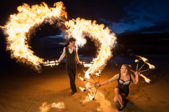 le-meilleur-artiste-circus-themed-fire-show2