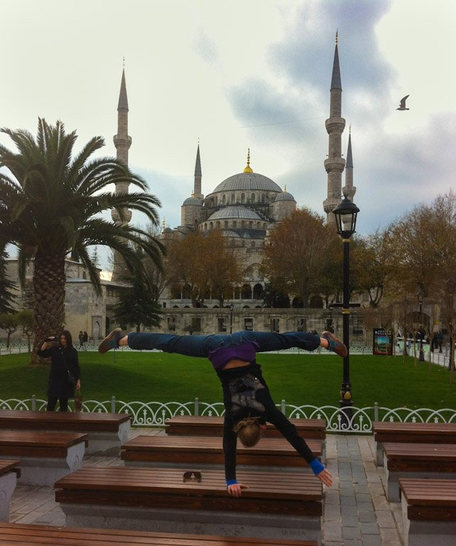 Acrobat Handstand Blue Mosque Istanbul Entertainment
