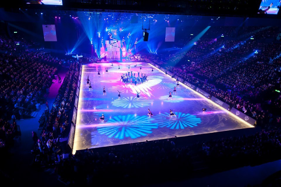 Art on Ice stage show, stadium and audience