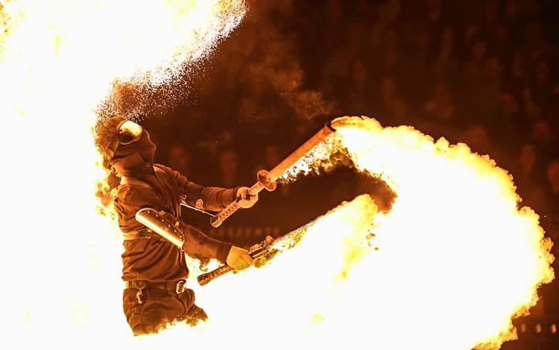 entertainer fire swords fire breather