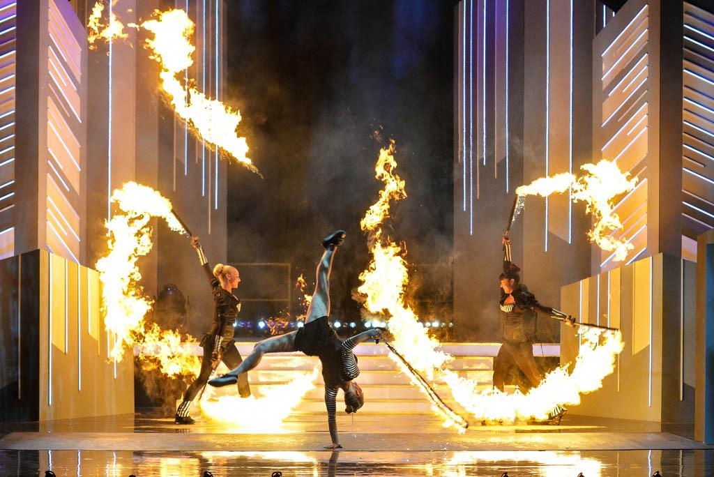 Fire show performers - not just fire eaters